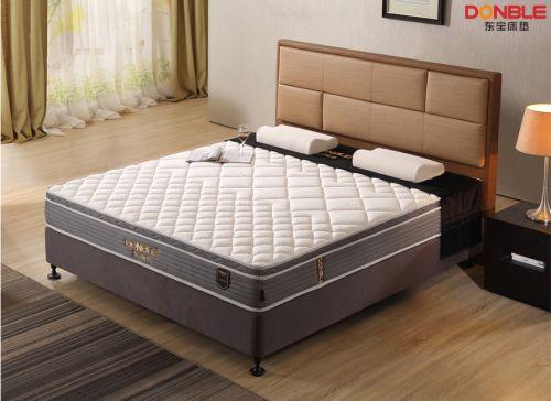 夏至将至,看东宝床垫如何冷静应对梅雨季